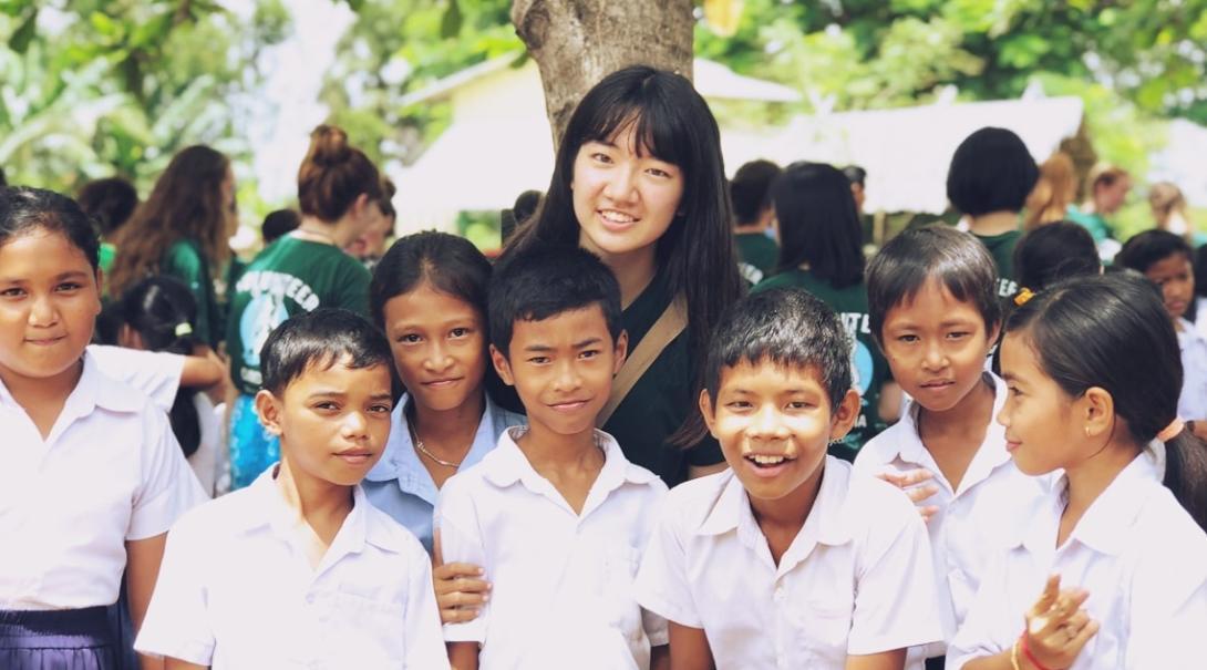 カンボジアでチャイルドケア&地域奉仕活動 大島彩也夏